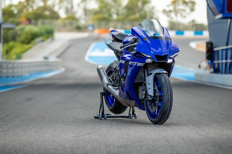 moto Yamaha R1 en location